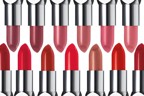How to choose and apply lipstick color